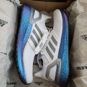 Adidas Ultra Boost 20 White w/blue sneakers sz 9